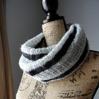 Striped_affair_infinity_scarf_1_small2