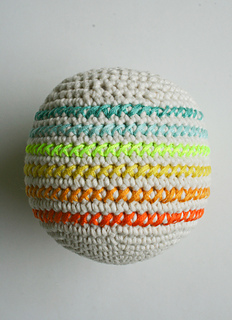 Crocheted-balls-600-13-1_small2