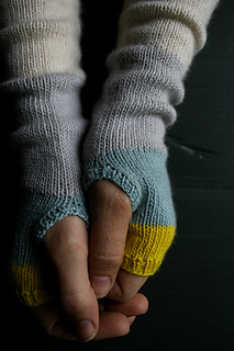 Lw-colorblock-hand-warmers-600-3_small2