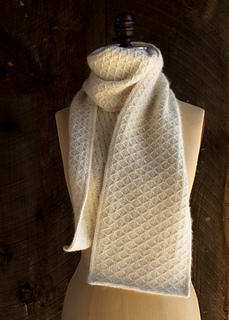 Trellis-scarf-600-3_small2