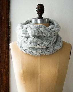 Braided-cable-cowl-600-10-352x441_small2