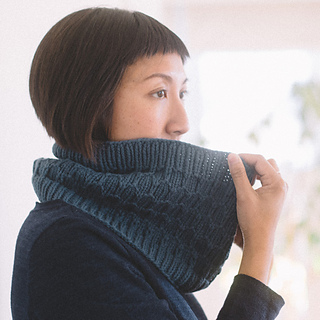 Quince-co-clinton-hill-angela-tong-knitting-pattern-osprey-4sq_small2