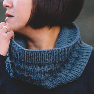 Quince-co-clinton-hill-angela-tong-knitting-pattern-osprey-3sq_small2