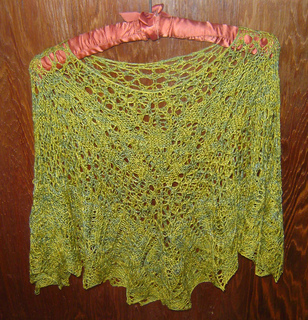 Lace_poncho_hanging_small2