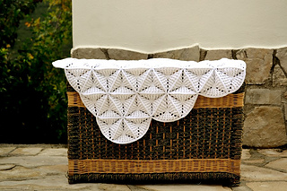 White_lily_blanket_small2