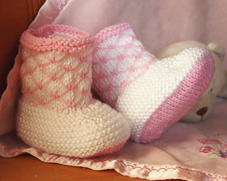 Royal_quilting_booties_1_small2