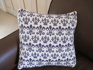 Heraldic_cushion__2_small2