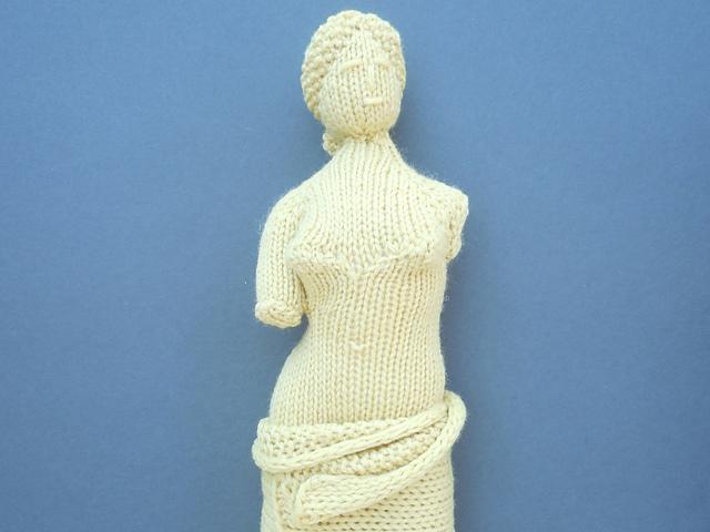 La Venus de Milo tricotée par Sara Elizabeth Kellner