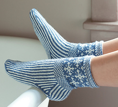 Snowflakesocks_small