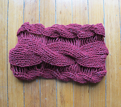 Twisted_cabled_cowl_042_small
