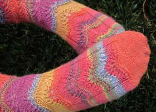 5768_lace_socks_small2