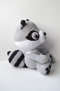 Ravelry: Amigurumi Raccoon pattern by Es un Mundo Amigurumi