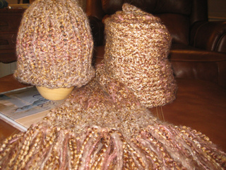 Taras_hat_and_scarf_small2