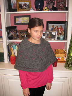 Thanksgiving_and_laine_s_capelet_024_small2