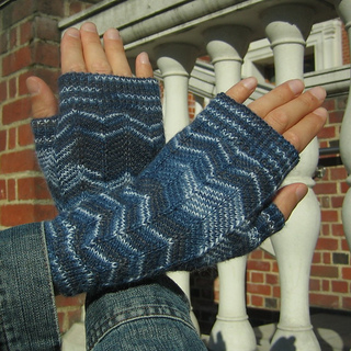 Boyfriendmitts05_small2