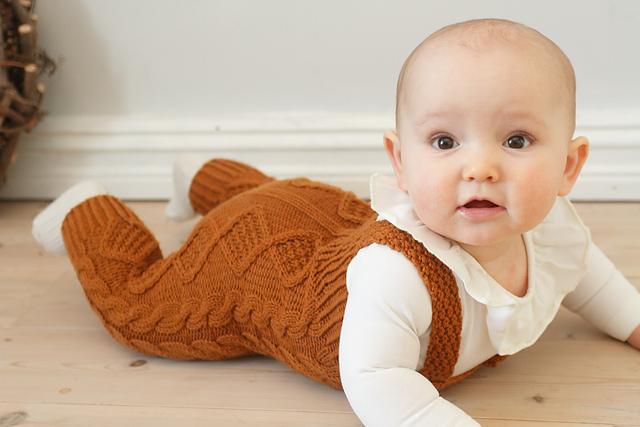 salopette tricotée Pineconepants par Siv Jane Aksdal