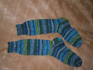Knitting_projects_from_jan_to_mar_2012_mitts_and_socks_003_small2