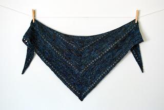 20_00-_leagues_shawl_2_small2