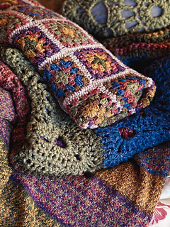 Granny_squares_throw_-_close_up_small2