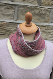 Two Colour Mobius Cowl PDF