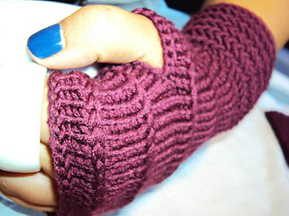 Herrinbone_fingerless_mittens_6_small2