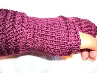 Herrinbone_fingerless_mittens_4_small2