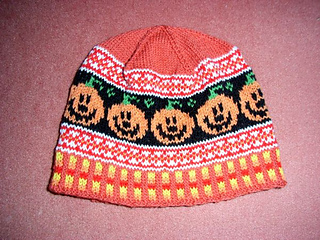 Happy_pumpkin_beanie_small2