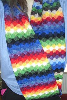 Infinity_rainbow_scarf5_small2
