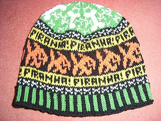 Piranha_beanie_colorful_small2
