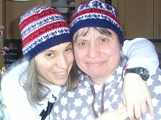 Big_sister_little_sister_beanie_set2_small2