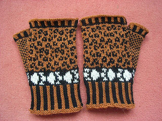 Leopard_mitts1_small2