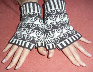 Hedgehog_mitts2_small2