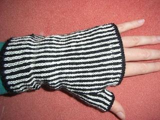 Zebra_mitts2_small2