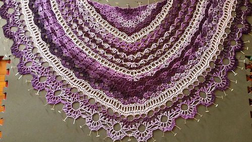 Sandy_shawl_2_medium