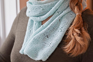 Si_2013s_lauren_cowl_0418_ss_email_small2