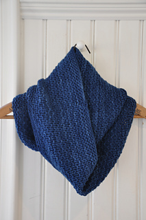 Atlantic_cowl_in_indigo3_small2