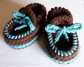 Hook_candy_crochet_patterns_sylver_santika_baby_boy_girl_moccasin_booties_01_small2