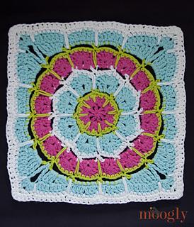 Moogly-magic-spike-mandala-12-inch-square_small2