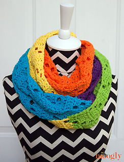 Neon-dreams-white-cowl_small2