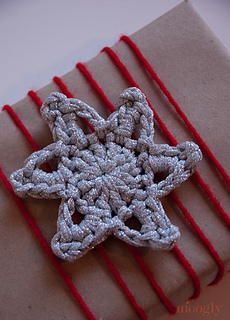 Glittery-crochet-stars-closeup_small2