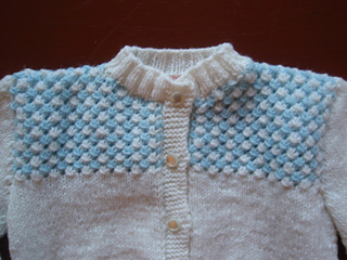 White_and_blue_baby_sweater_close_up_small2
