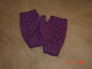 Braided_mitts_in_purple_vanna_s_choice__3__small2