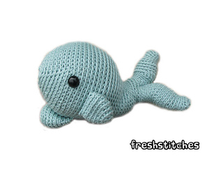 Whale_small2