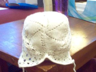 White_bonnet_small2