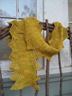 Petal_edge_scarf_2_small2
