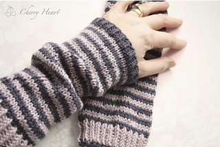 Cheshire_mitts_small2