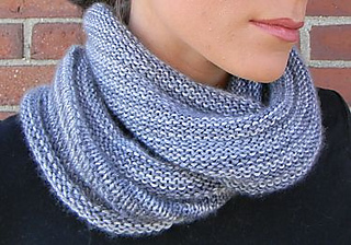 Small_kitten-soho-cowl-crop-web_small2