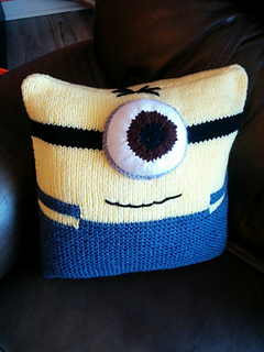 Free Minion Cushion Crochet Pattern : Ravelry: Minion Cushion pattern by Homespooled