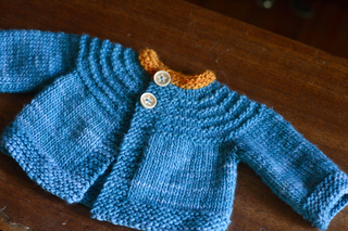 Baby_sweater5_small2