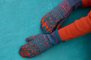 Knitmob_mittens_-_6_small2